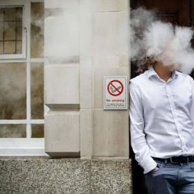 Vaping Lures Teenagers to Smoke